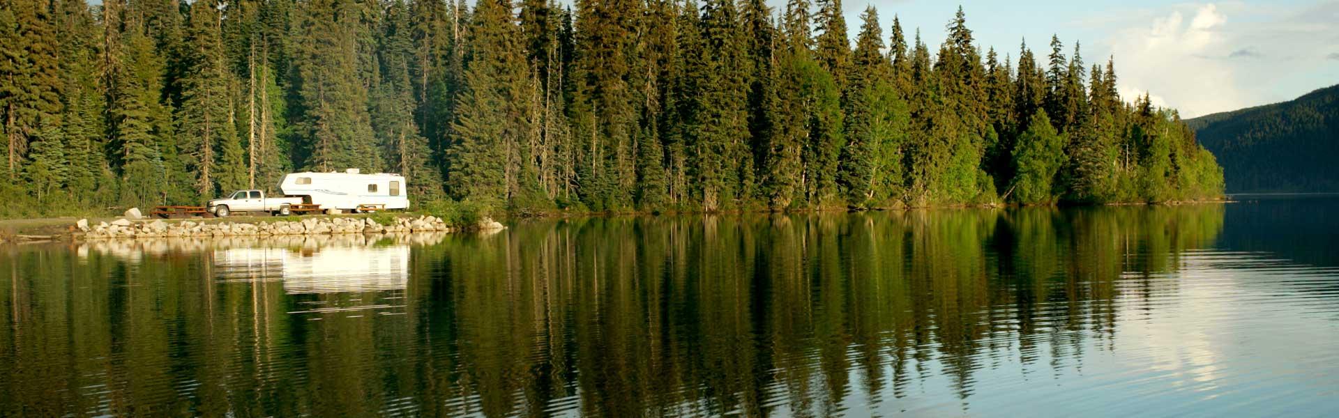 rv-camping-by-lake